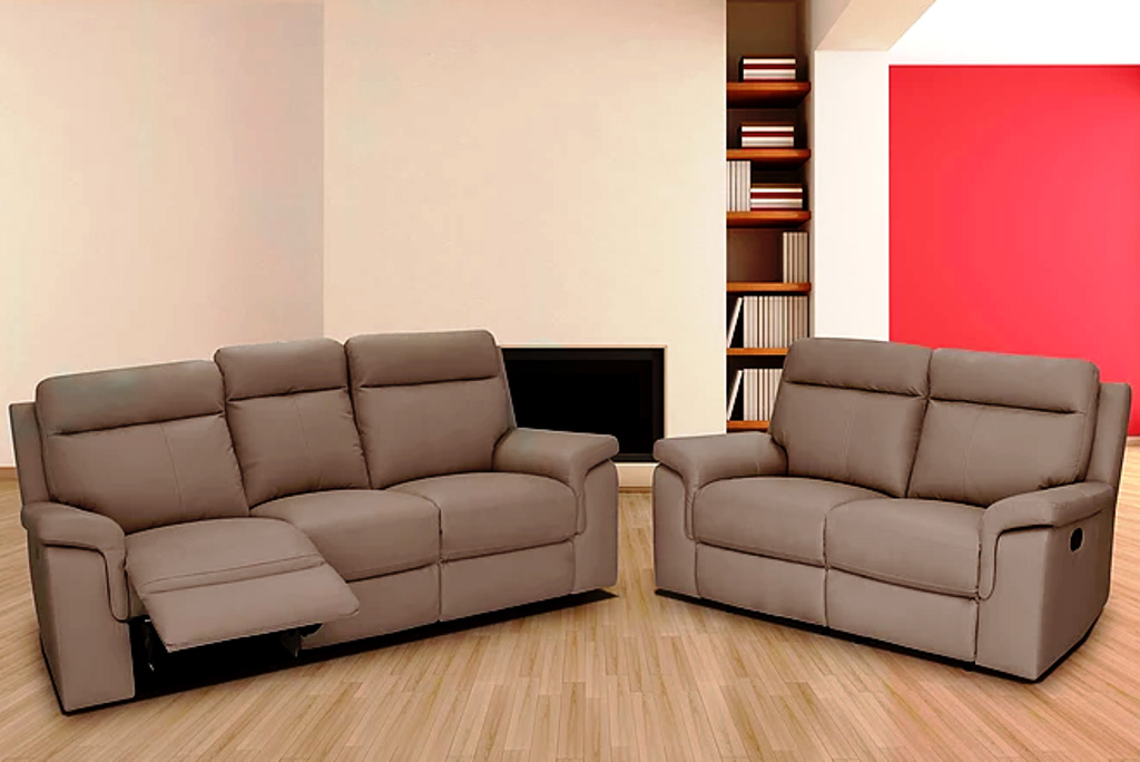 Leather Furniture Traveler Collection: Bari Leather Sofa Collection